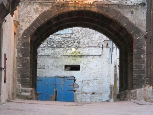 blue door arch3